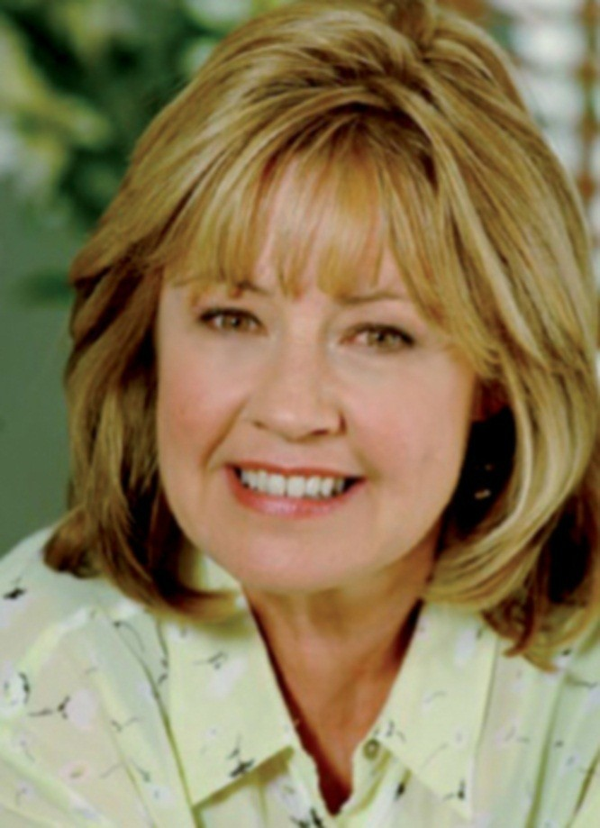 Noni hazlehurst on the q radio victoria
